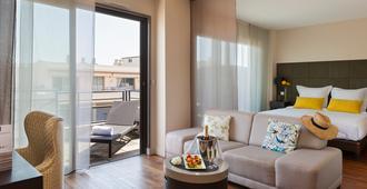 Nehô Suites Cannes Croisette - Cannes - Living room