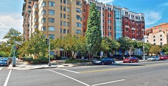 Ginosi Basics Dupont Circle Apartel - Washington - Building