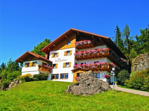 Pension Haus Sonnenfels - Bodenmais - Building