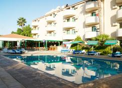Mandalena Hotel Apartments - Protaras - Pool