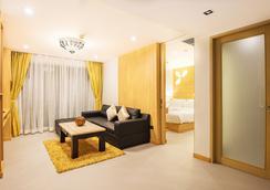 芭東阿拉亞海灘酒店 - 巴東 - 芭東海灘 - 客廳