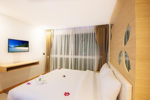 芭東阿拉亞海灘酒店 - 巴東 - 芭東海灘 - 臥室