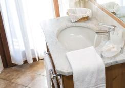 Hotel Residence Chateau - Saint-Pierre - Bathroom