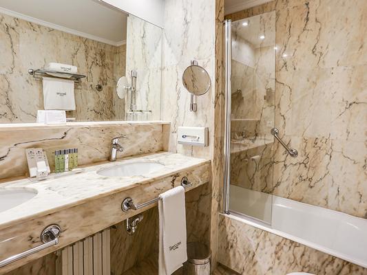 戶撒歐羅巴酒店 - 聖賽巴斯提安 - 聖塞巴斯蒂安 - 浴室