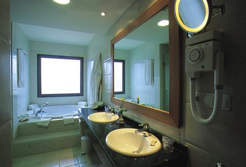 Gran Hotel Victoria - Santander - Kylpyhuone