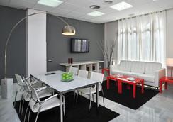 Apartamentos Sercotel Togumar - Madrid - Ruokailuhuone
