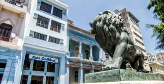 Hotel Caribbean - Havana - Building