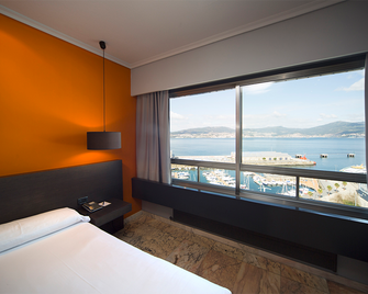 Hotel Sercotel Bahía de Vigo - Vigo - Makuuhuone
