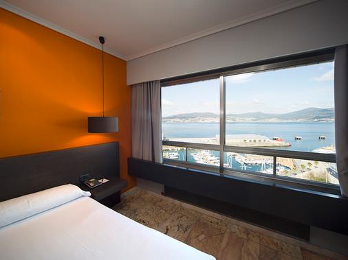 Hotel Sercotel Bahía de Vigo - Vigo - Bedroom