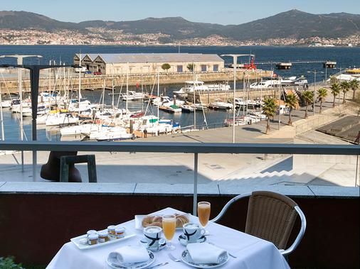 Hotel Sercotel Bahía de Vigo - Vigo - Balcony