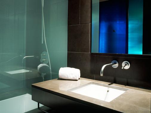 B-Hotel - Barcelona - Bathroom