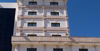 Hotel Sercotel Cuatro Postes - Ávila - Toà nhà