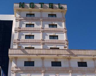 Hotel Sercotel Cuatro Postes - Ávila - Gebäude