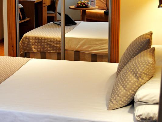 Sercotel Gran Fama - Almería - Phòng ngủ
