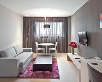 Hotel Hola Tafalla - Tafalla - Huiskamer