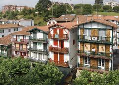 Hotel Sercotel Jauregui First Class - הונדאריבייה - בניין