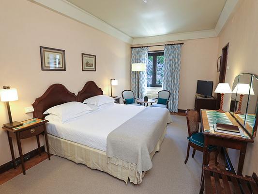 Hotel Lisboa Plaza, a Lisbon Heritage Collection - Lisbon - Bedroom