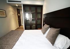 Hotel Madanis Liceo - L'Hospitalet de Llobregat - Bedroom