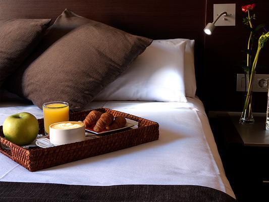 馬丹尼斯旅遊公寓 - 巴塞隆拿 - 巴塞隆納 - 飲食