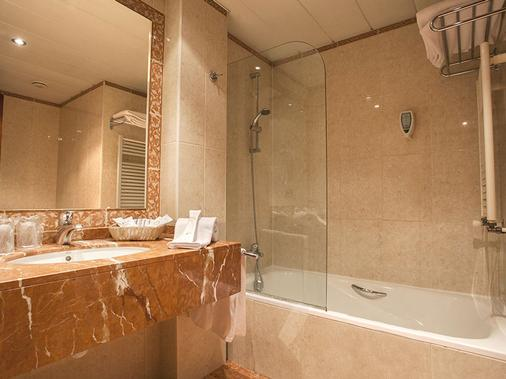 Magic Andorra - Andorra la Vella - Bathroom