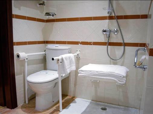 Hotel Sercotel Oriente - Zaragoza - Bathroom