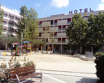 Hotel Sercotel Pere III El Gran - Vilafranca del Penedès - Gebouw
