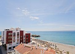 Hotel Sercotel Perla Marina - Nerja - Toà nhà