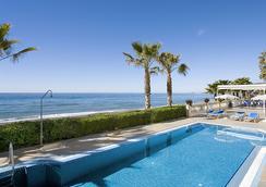 珍珠碼頭斯考特而酒店 - 內爾哈 - 內爾哈 - 游泳池