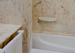 和平王子酒店 - 聖塔克魯茲提內 - 聖克魯斯-德特內里費 - 浴室