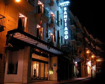 Santiago - Лінарес - Building