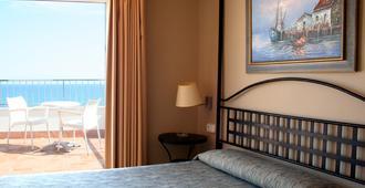 Hotel Subur - Sitges - Schlafzimmer