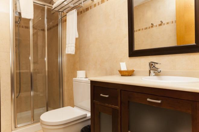 Hotel Sercotel Tres Luces - Vigo - Kylpyhuone