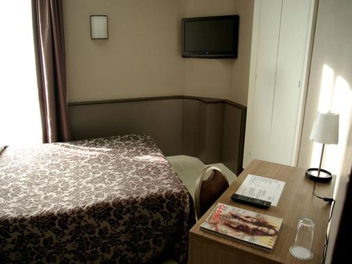 Hotel Urbis Centre - Tarragona - Bedroom