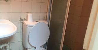 Lee Chiao Guest House - Hong Kong - Bathroom