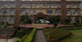 Imperial Clarks Inn Dharamshala - Dharamshala