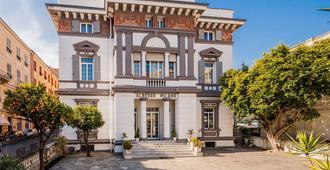 Hotel Milano - San Remo - בניין