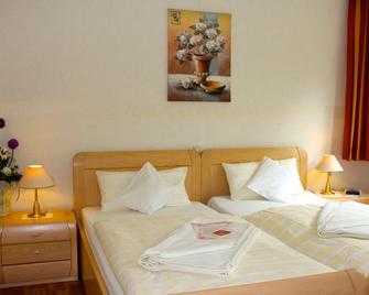 Salzhotel Fortuna - Bad Bevensen - Bedroom