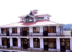 Lord Krishna Himalayan Hotel & Restaurant - Mukteshwar - Building