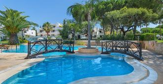 Balaia Golf Village Resort - אלבופרה - בריכה