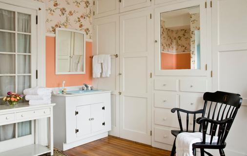 Hampton Terrace Inn - Lenox - Bathroom