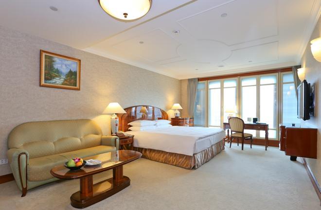 長榮桂冠酒店 (台北) - 台北 - 臥室