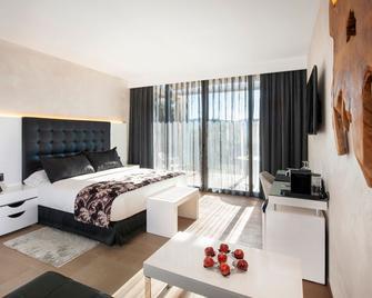 Suites Natura Mas Tapiolas - Santa Cristina d'Aro - Bedroom