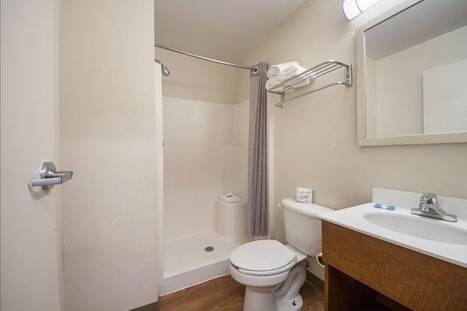 HomeTowne Studios Dallas - Irving - Irving - Salle de bain