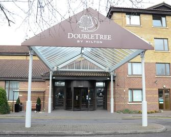 DoubleTree by Hilton Swindon - Swindon - Building