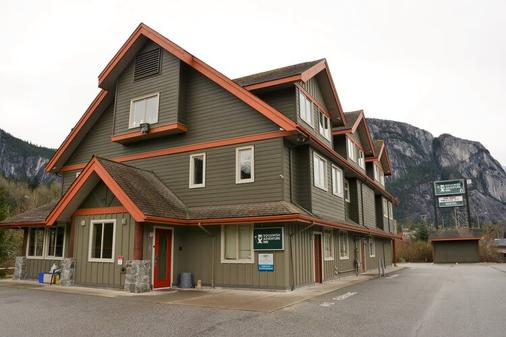 Squamish Adventure Inn - Squamish - Rakennus