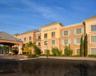 Ayres Hotel Chino Hills - Chino Hills - Building