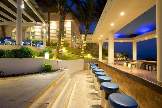 Golden Parnassus Resort & Spa - Cancún - Bar