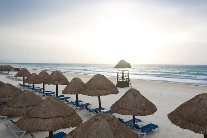 Golden Parnassus Resort & Spa - Cancún - Beach