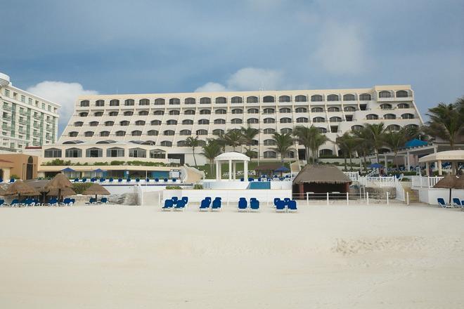 Golden Parnassus Resort & Spa - Cancún - Building