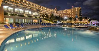 Golden Parnassus Resort & Spa - Cancún - Pool